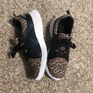 Shoes - Size 8 leopard sneakers